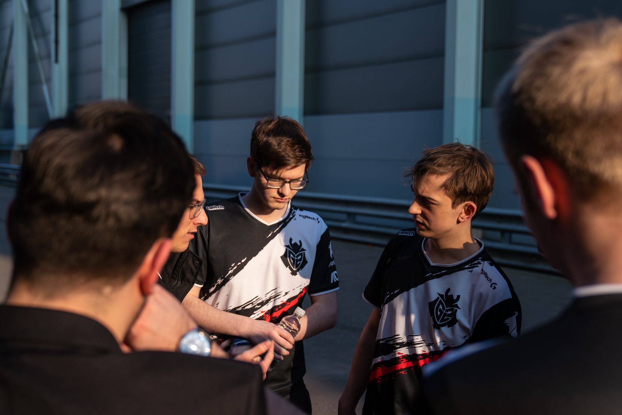 Mikyx's ongoing wrist problems cast a shadow over G2's victory image